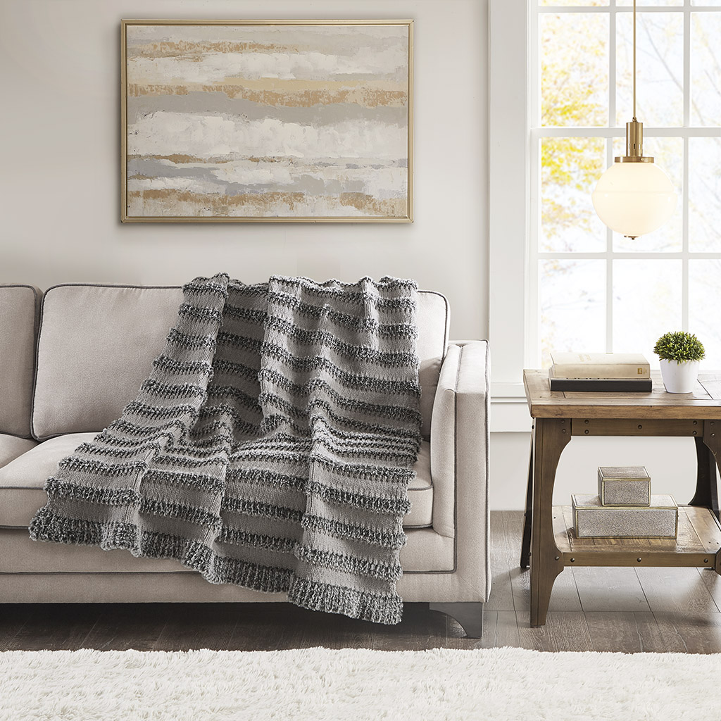 Madison Park - Nora Chenille and Faux Fur Throw - Dark Grey - 50x60