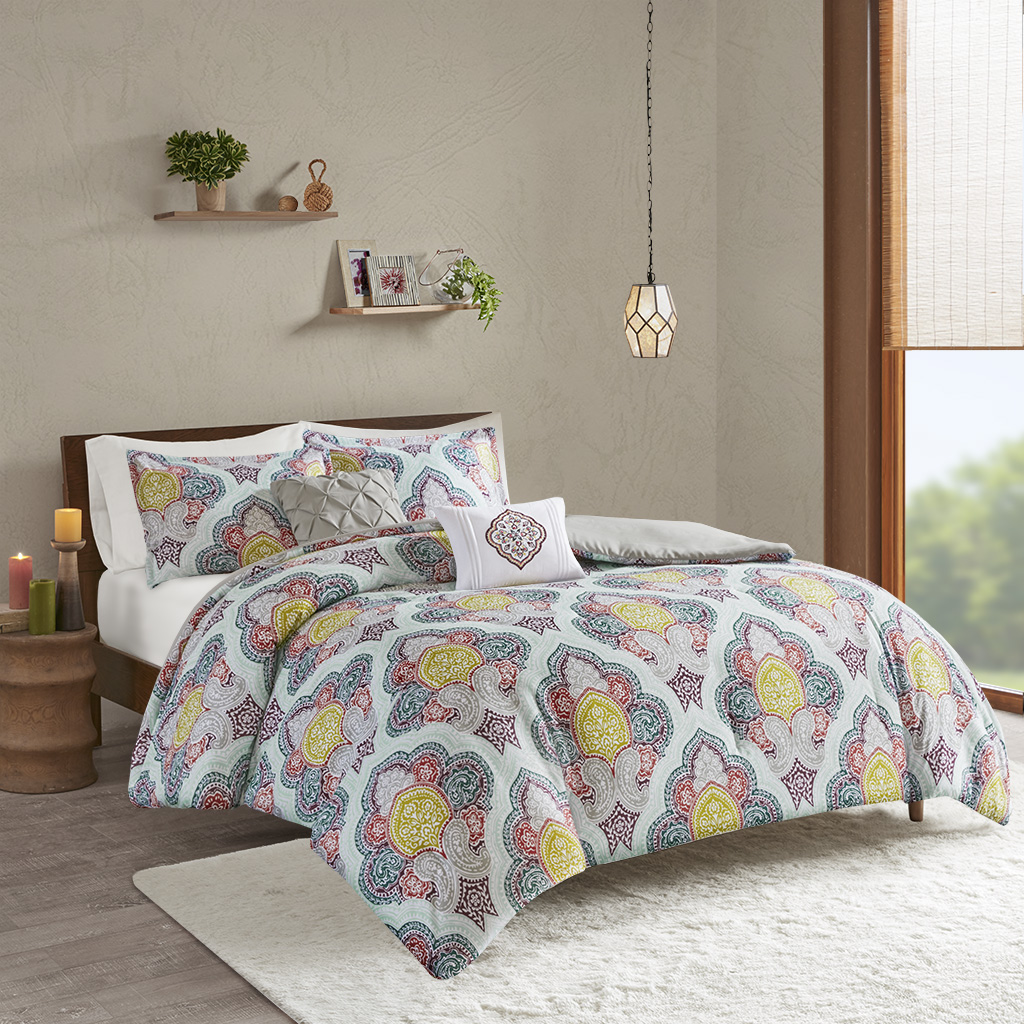 Intelligent Design - Isadora Paisley Medallion Print Comforter Set - Multi - Twin/Twin XL