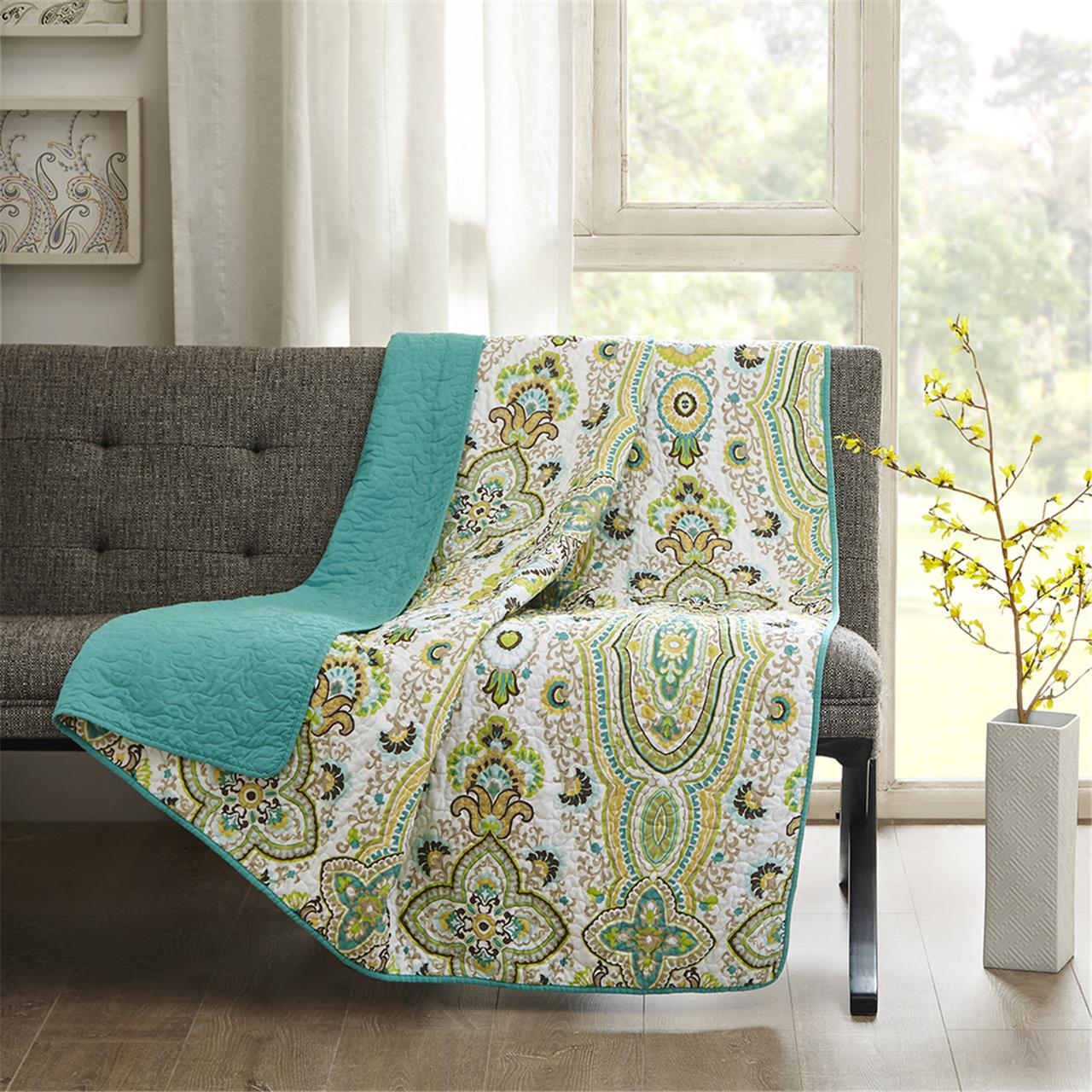 Intelligent Design - Tasia Oversized Quilted Throw - Green - 60x70