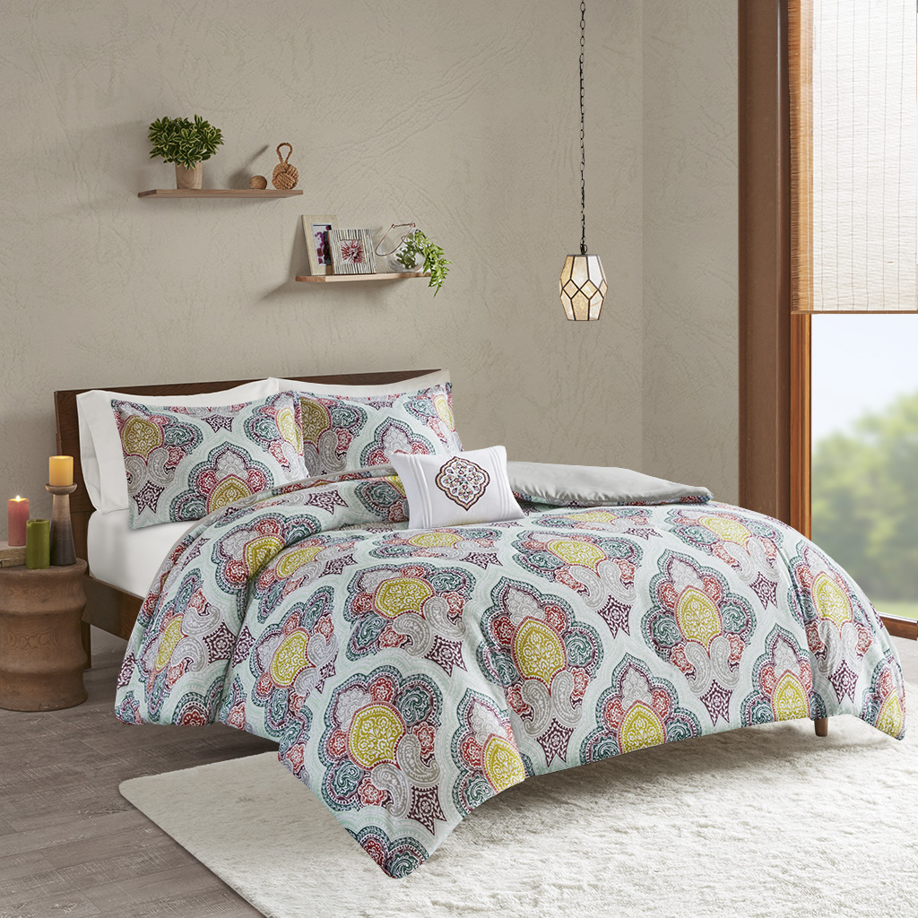 Intelligent Design - Isadora Paisley Medallion Print Duvet Cover Set - Multi - Full/Queen