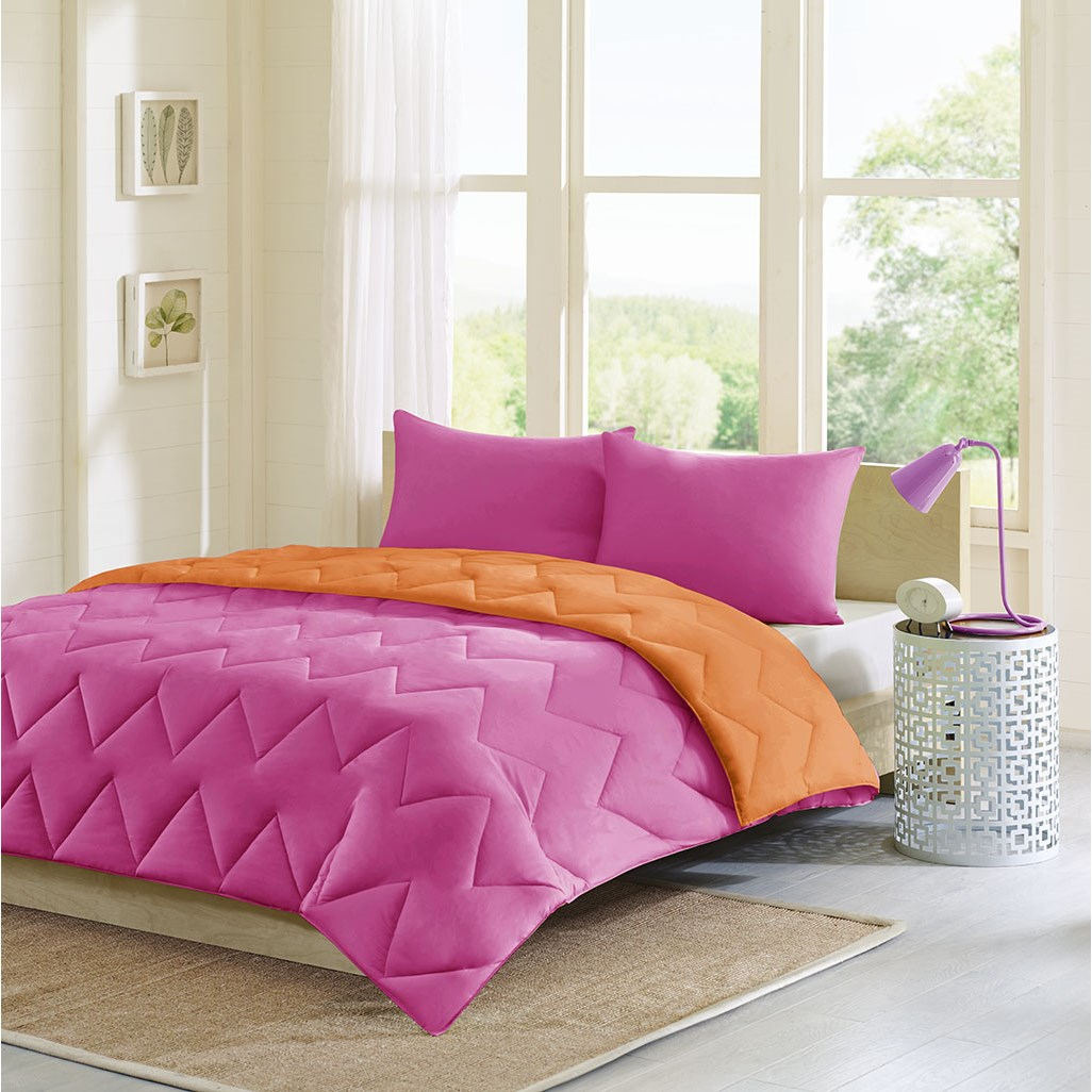 Intelligent Design - Trixie Reversible Comforter Mini Set - Pink - Full/Queen