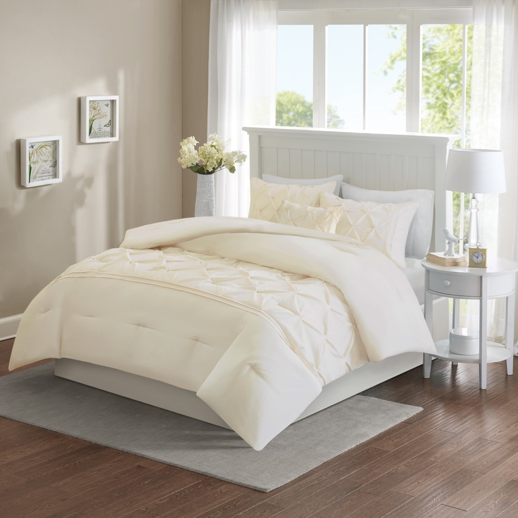 Comfort Spaces - Cavoy 5 Piece Tufted Comforter Set - Ivory - King/Cal King