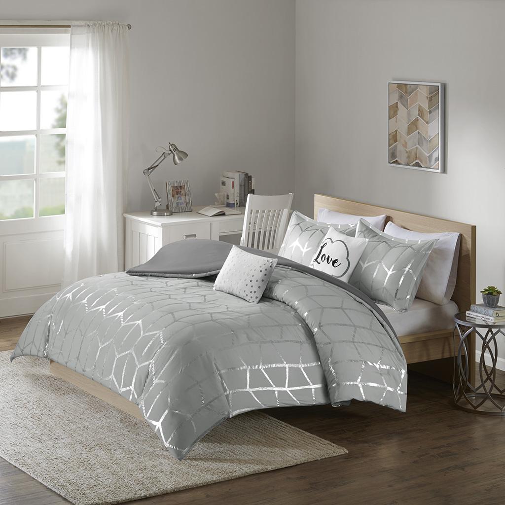 Intelligent Design - Raina Metallic Printed Duvet Cover Set - Grey/Silver - King/Cal King
