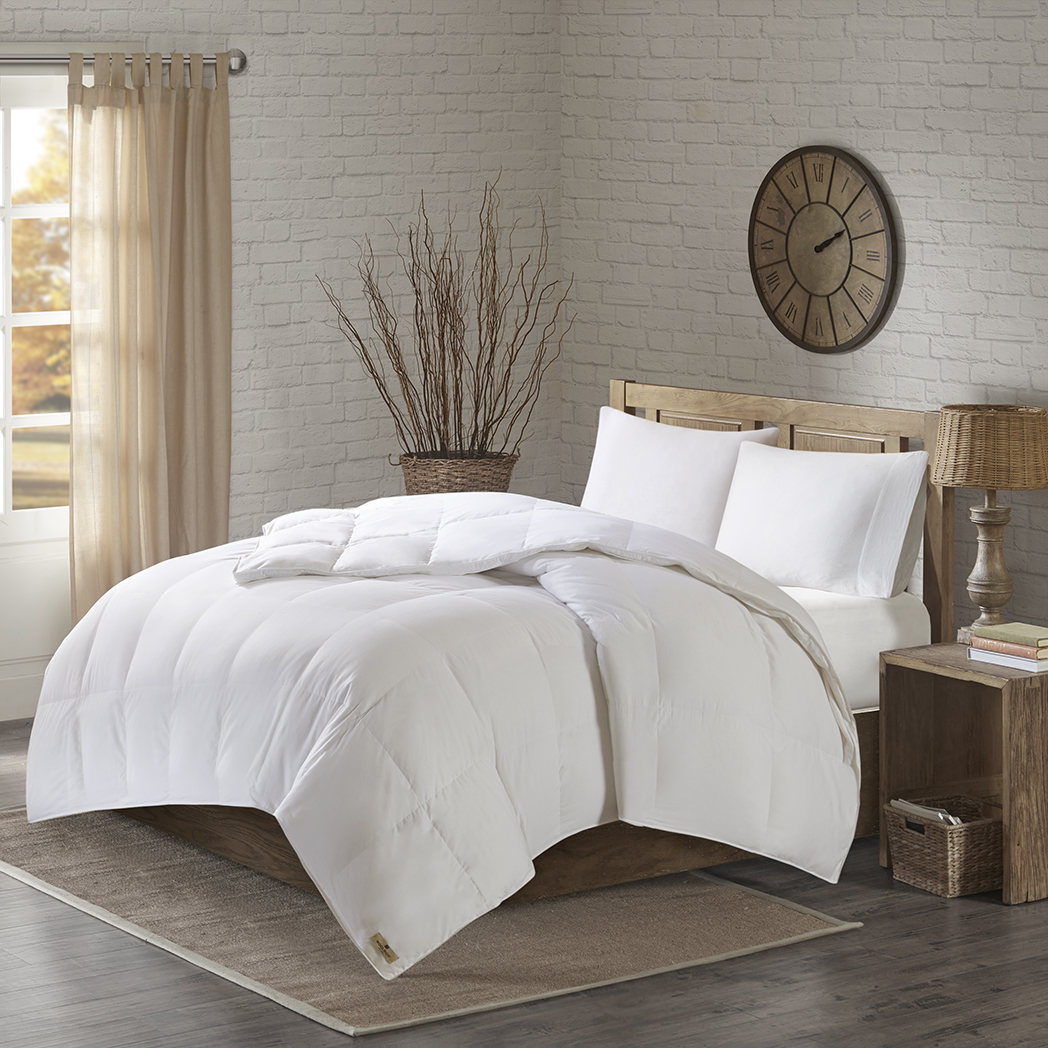 Woolrich - 300TC Down 600 Fill Power Oversized Comforter - White - Full/Queen