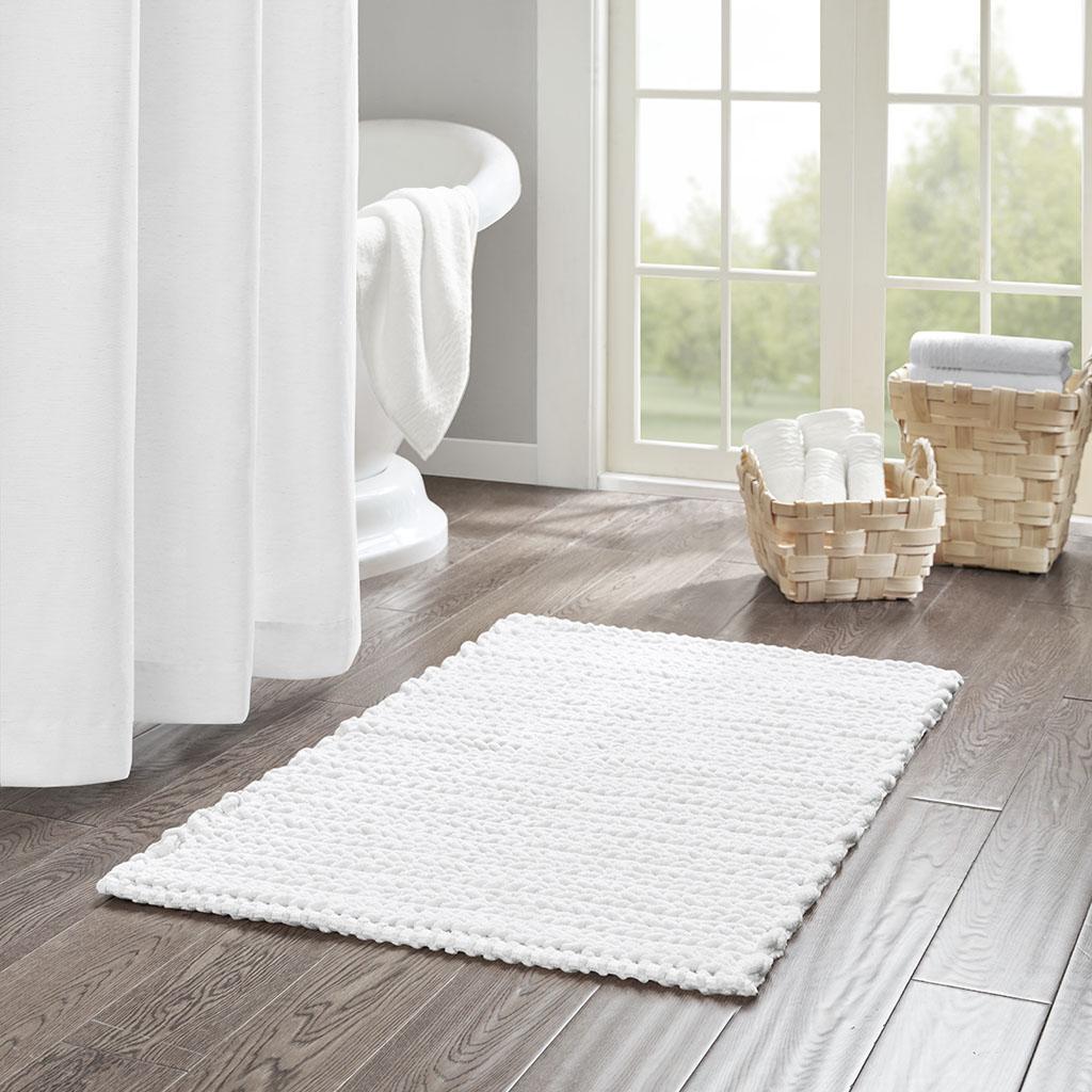 Madison Park - Lasso 100% Cotton Chenille Chain Stitch Rug - White - 24x40