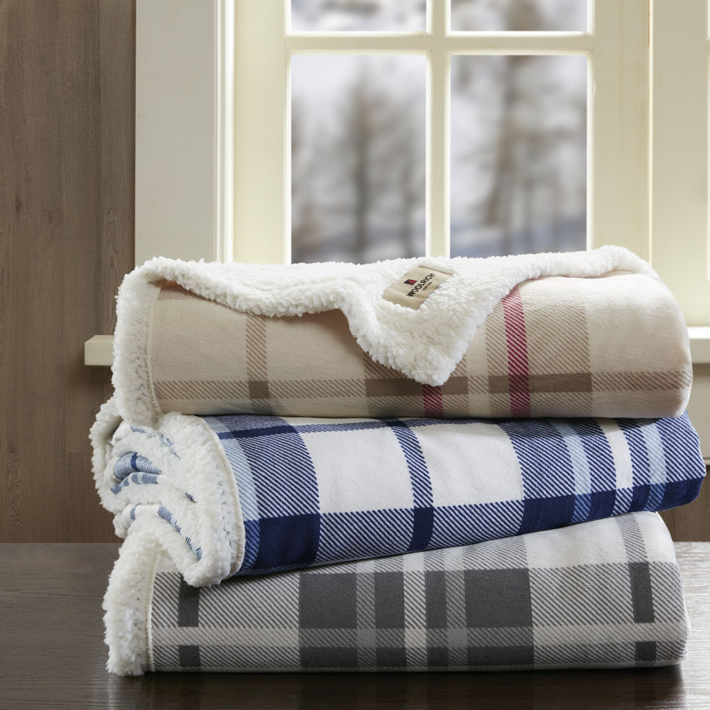 Woolrich - Plush to Berber Throw - Khaki/Red - 50x60