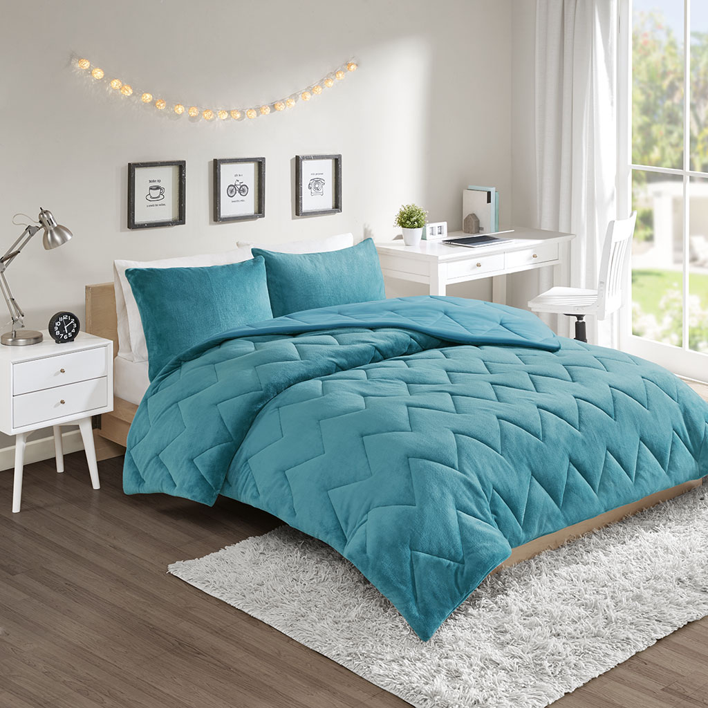 Intelligent Design - Kai Solid Chevron Quilted Reversible Microfiber to Cozy Plush Comforter Mini Set - Teal - Full/Queen
