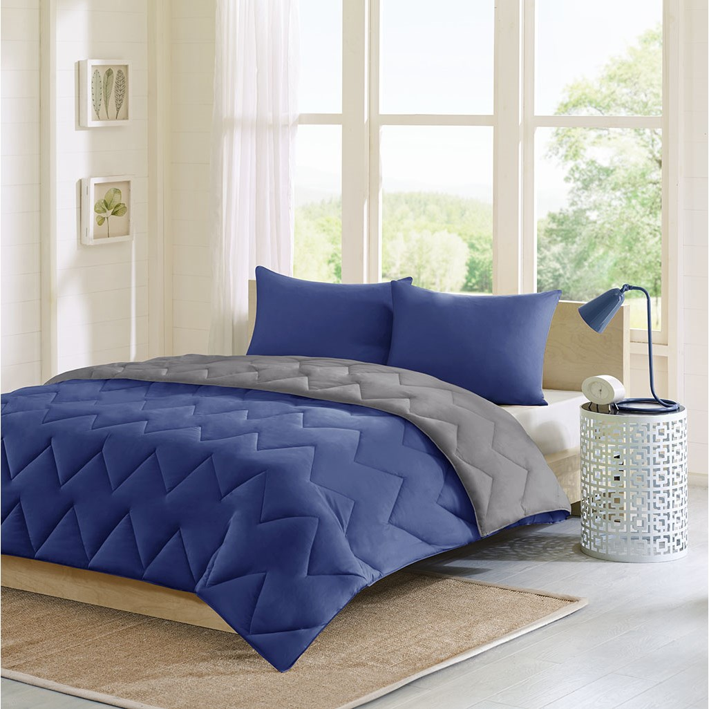 Intelligent Design - Trixie Reversible Comforter Mini Set - Navy/Grey - Full/Queen