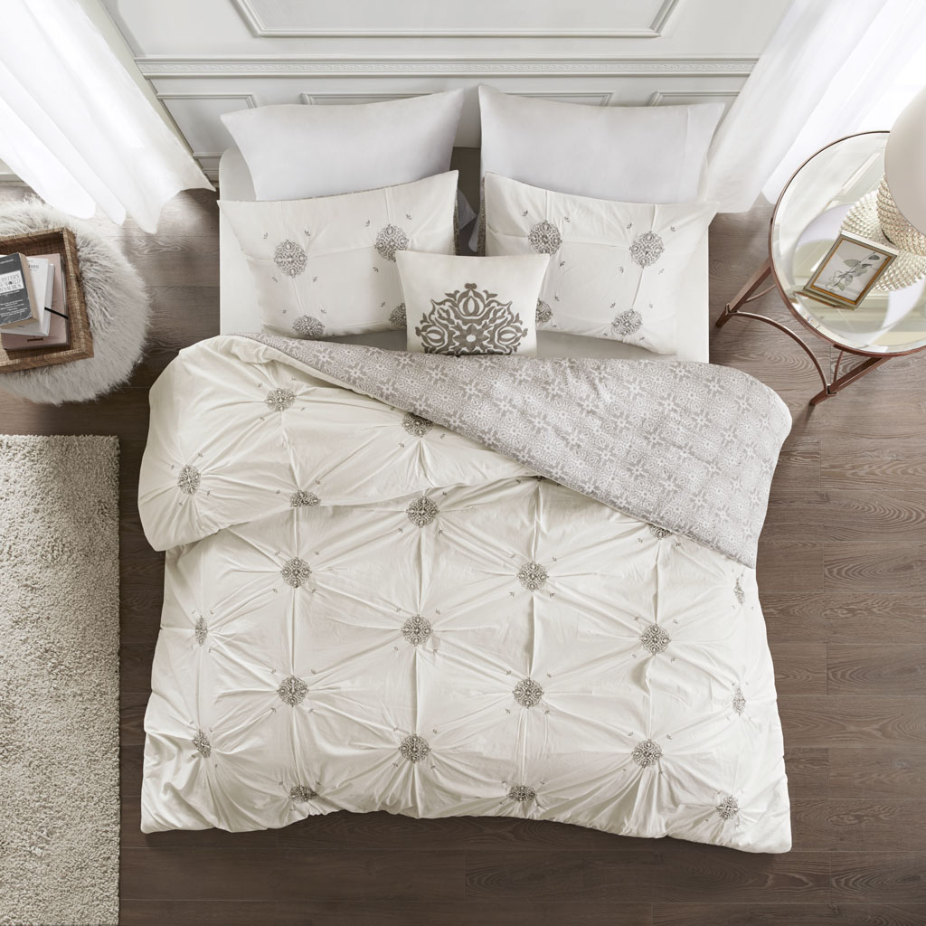 Madison Park - Malia 4 Piece Embroidered Cotton Reversible Duvet Cover Set - Grey/Ivory - King/Cal King