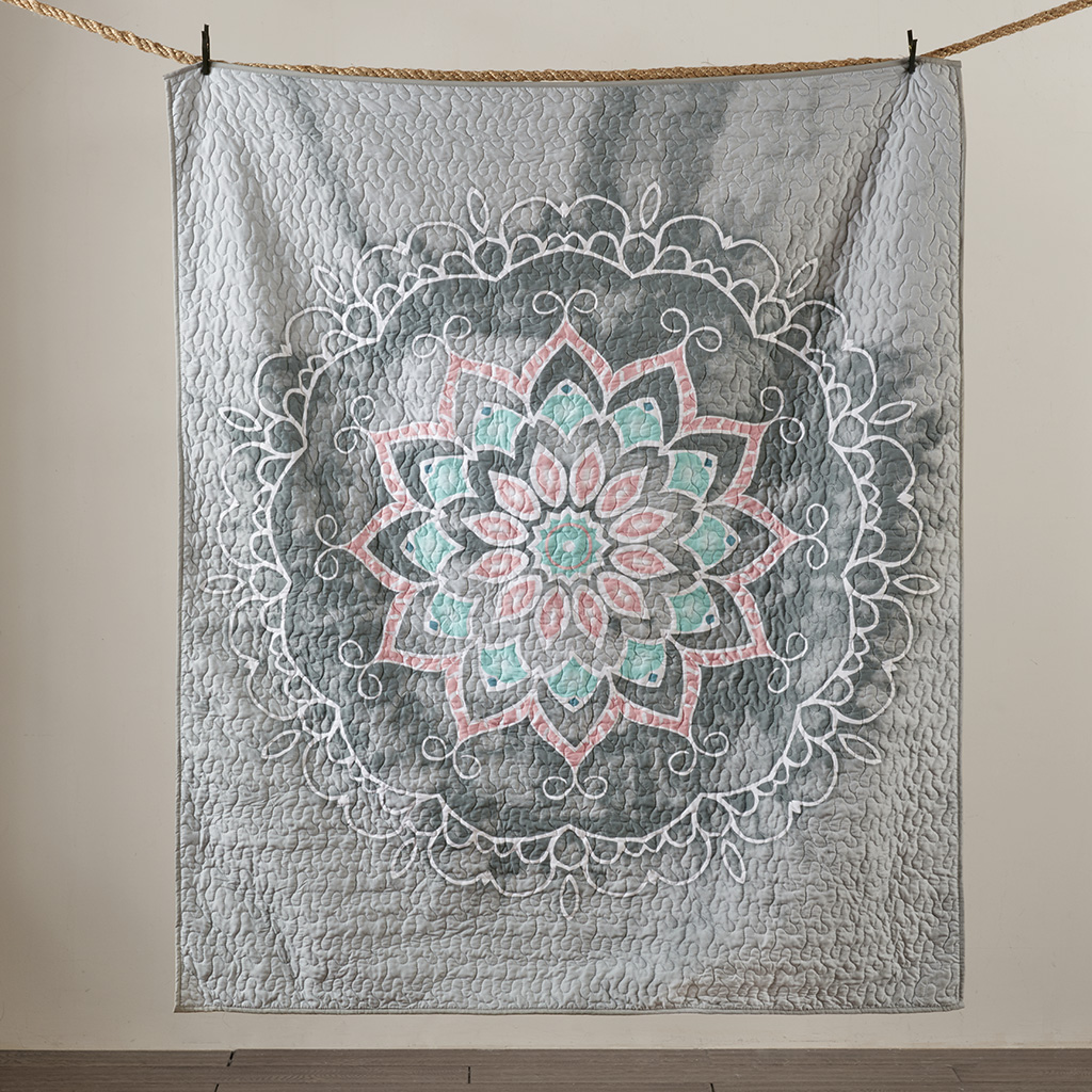 Intelligent Design - Medallion Quilted Throw - Grey - 50x60